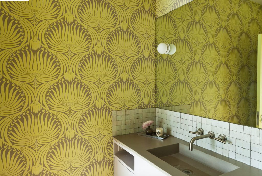 medallion wallpaper pattern